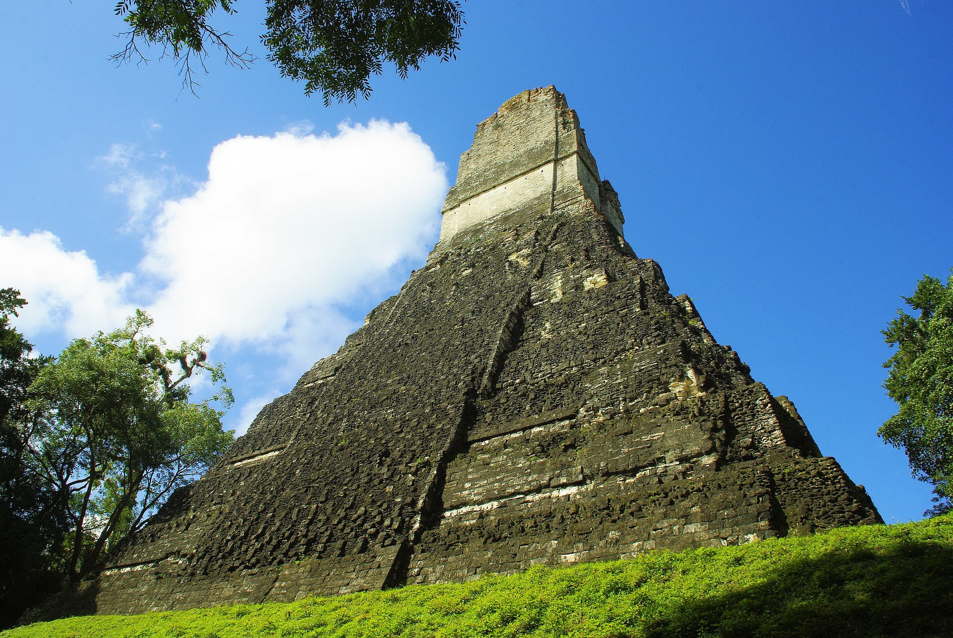 Guatemala Honeymoon Tours 2019 - 2020 -  tikal ruins