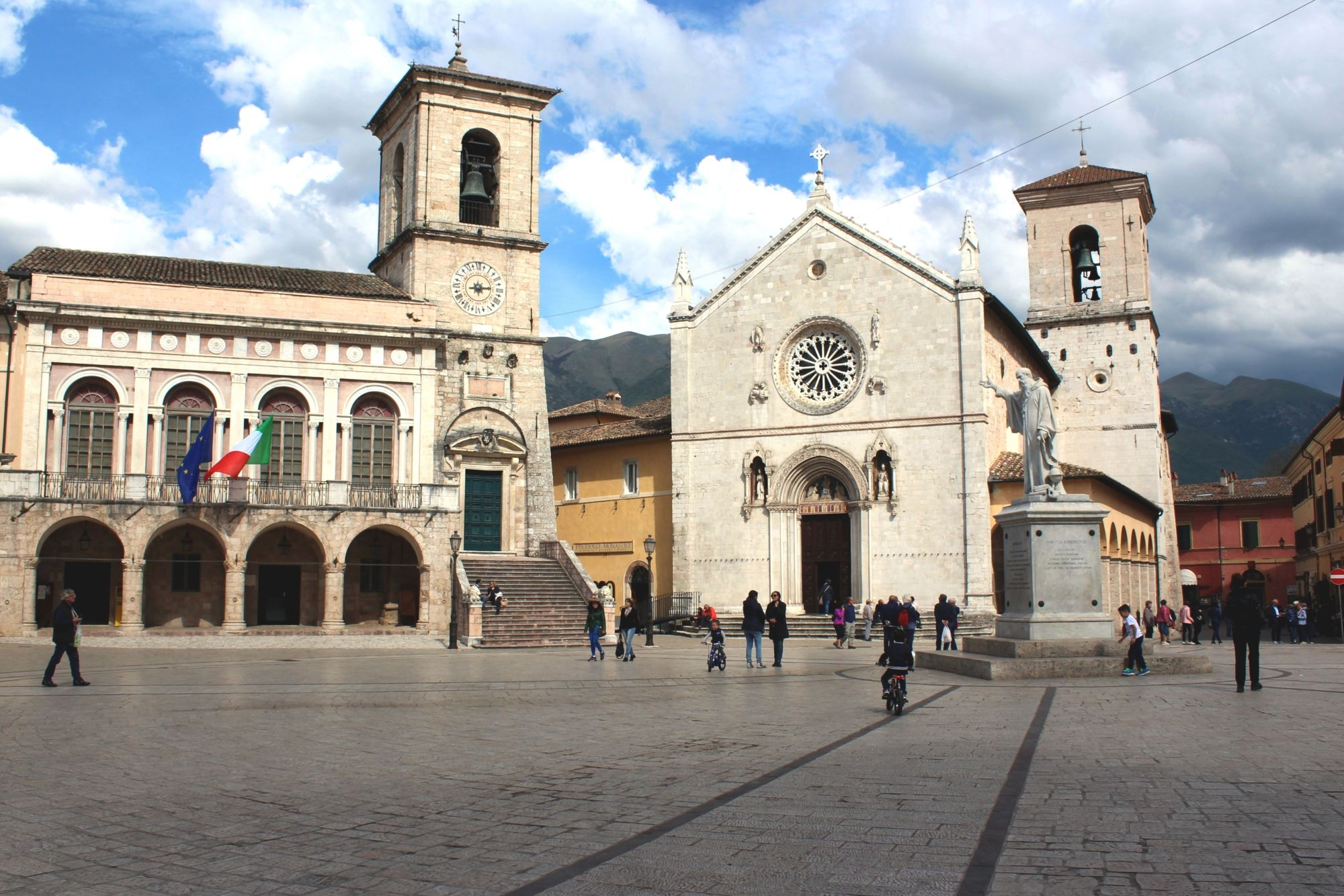 Umbria: The Green Heart of Italy Tours 2019 - 2020 -  Norcia Piazza